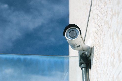 güvenlik kameraları, güvenlik kamerası, kamera içeren Ücretsiz stok fotoğraf