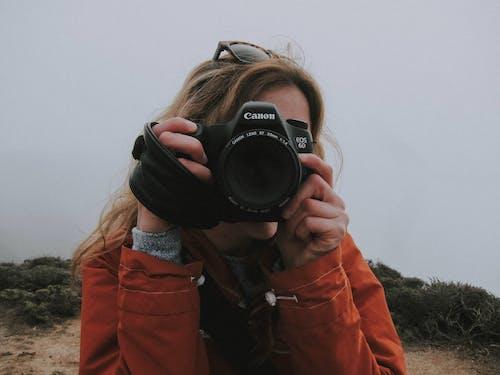 Kostnadsfri bild av berg, bild, bildtagning, flicka
