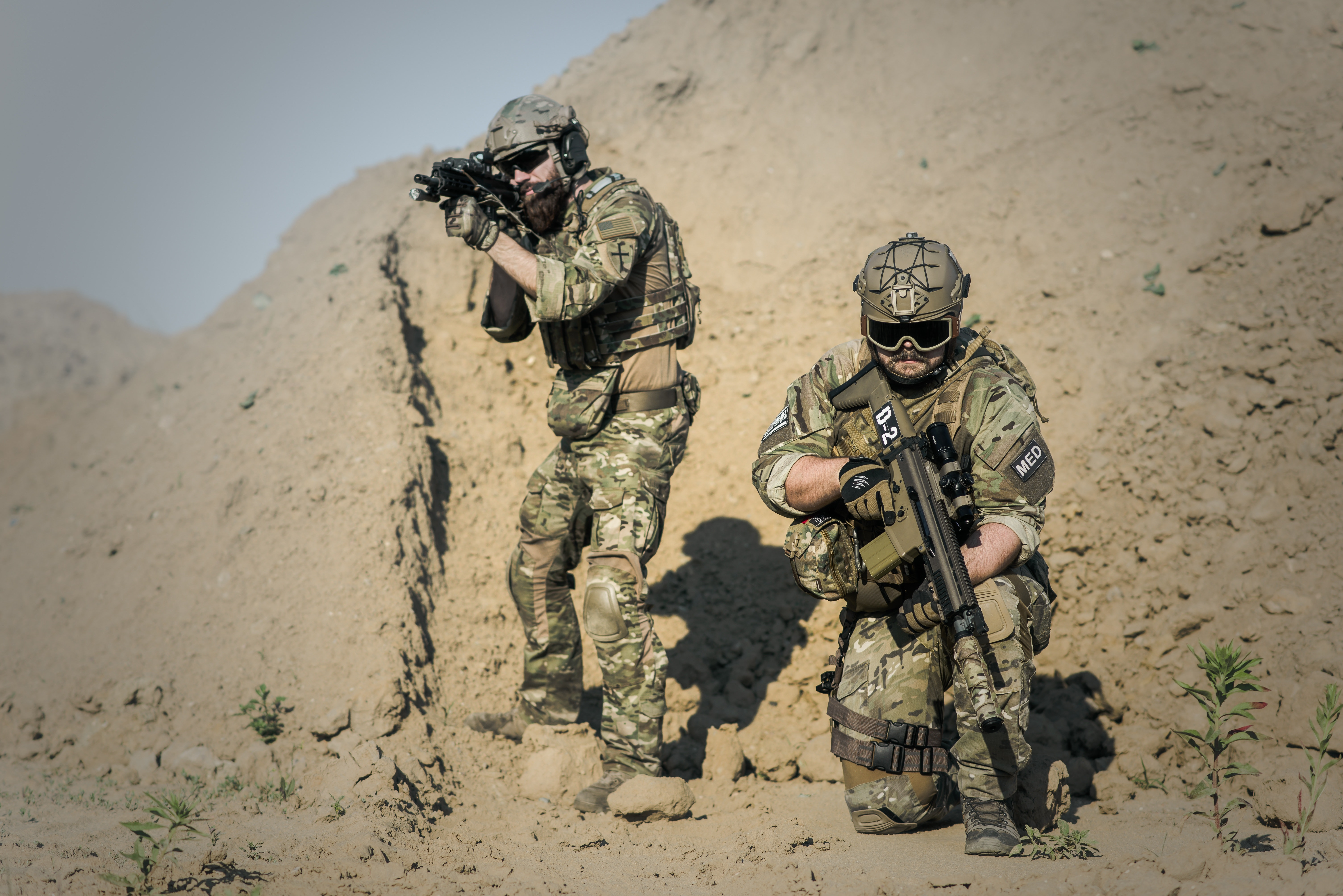 2 Soldier in Desert during Daytime · Free Stock Photo