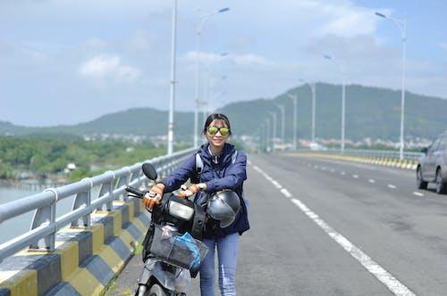 Immagine gratuita di bdrige, motocicletta, percorso, ragazza asiatica