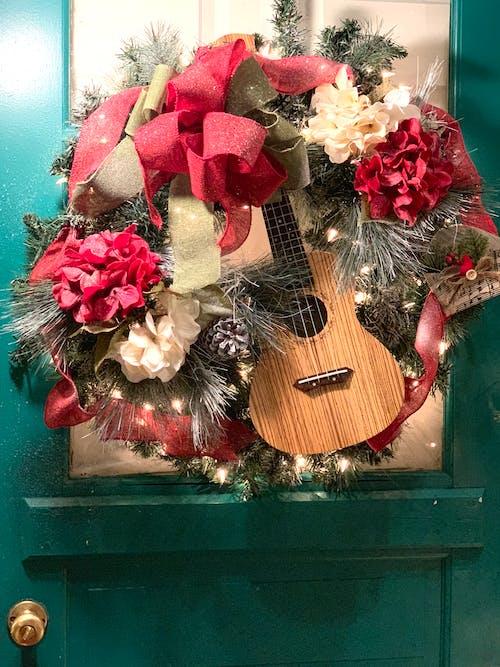 Kostenloses Stock Foto zu fröhliche weihnachten, kranz, weihnachten, weihnachtsdekor