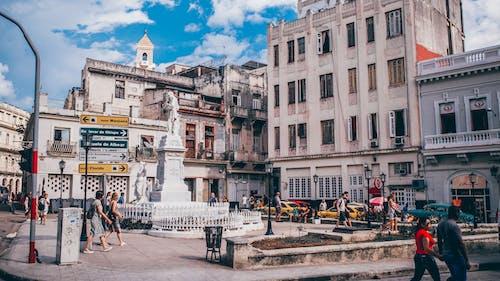Fotos de stock gratuitas de arquitectura, calle, centro de la ciudad, direcciones
