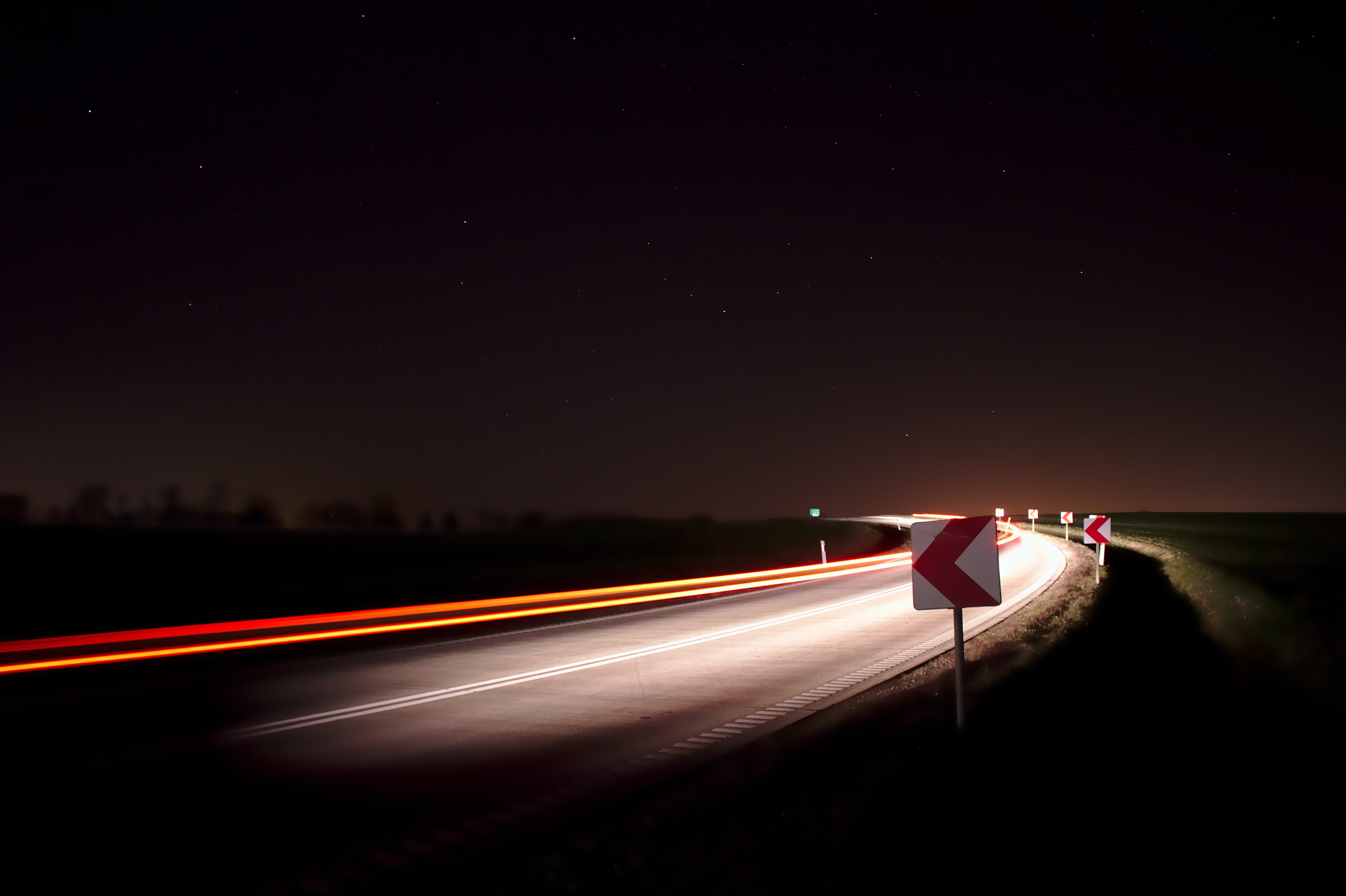 Foto d'estoc gratuïta de carretera, cotxe, estrelles, explotar