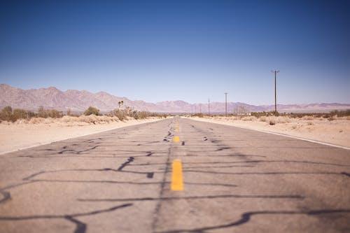 Photos gratuites de aride, asphalte, autoroute, désert