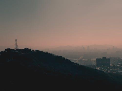 Δωρεάν στοκ φωτογραφιών με απόγευμα, αρχιτεκτονική, αστικός, βουνό