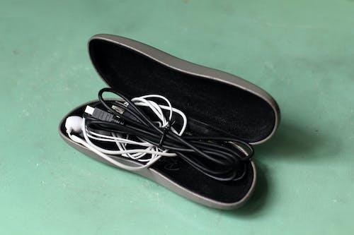 Ingyenes stockfotó napszemüveg fül fülhallgató fülbimbók kábelek témában
