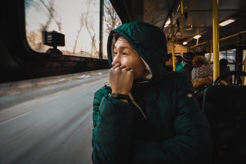 交通系統, 公共交通工具, 冷, 夾克 的 免费素材照片