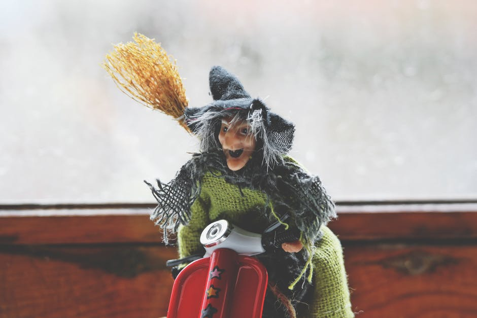 broom, costume, face
