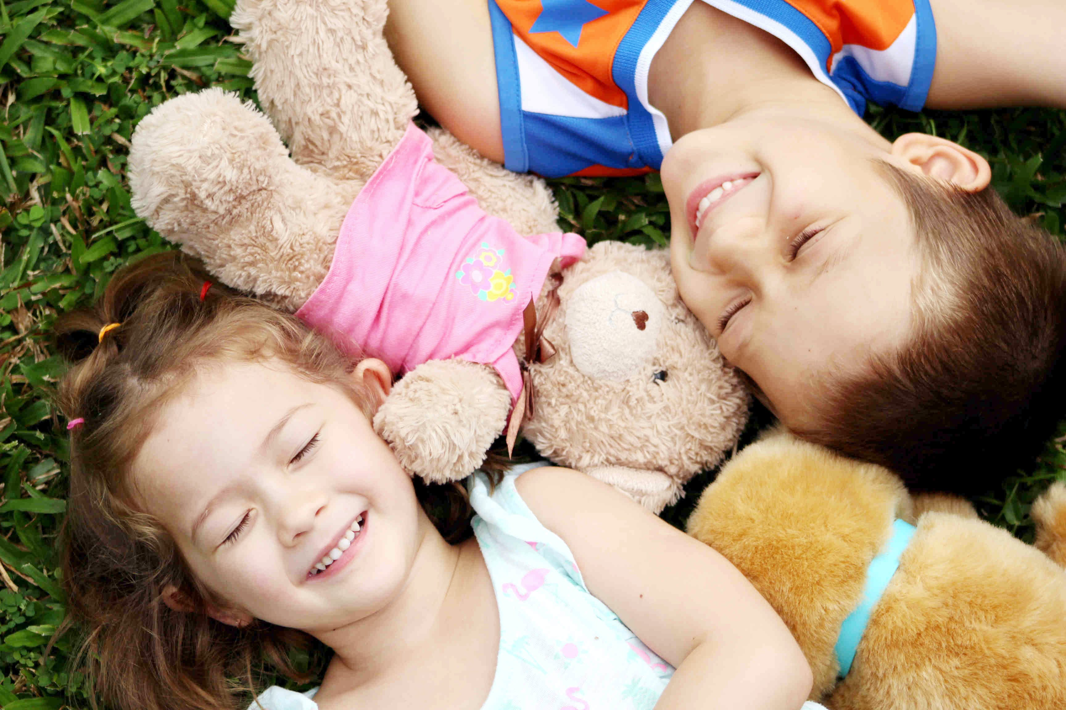 Free stock photo of brother and sisters, family, kids, sibbling
