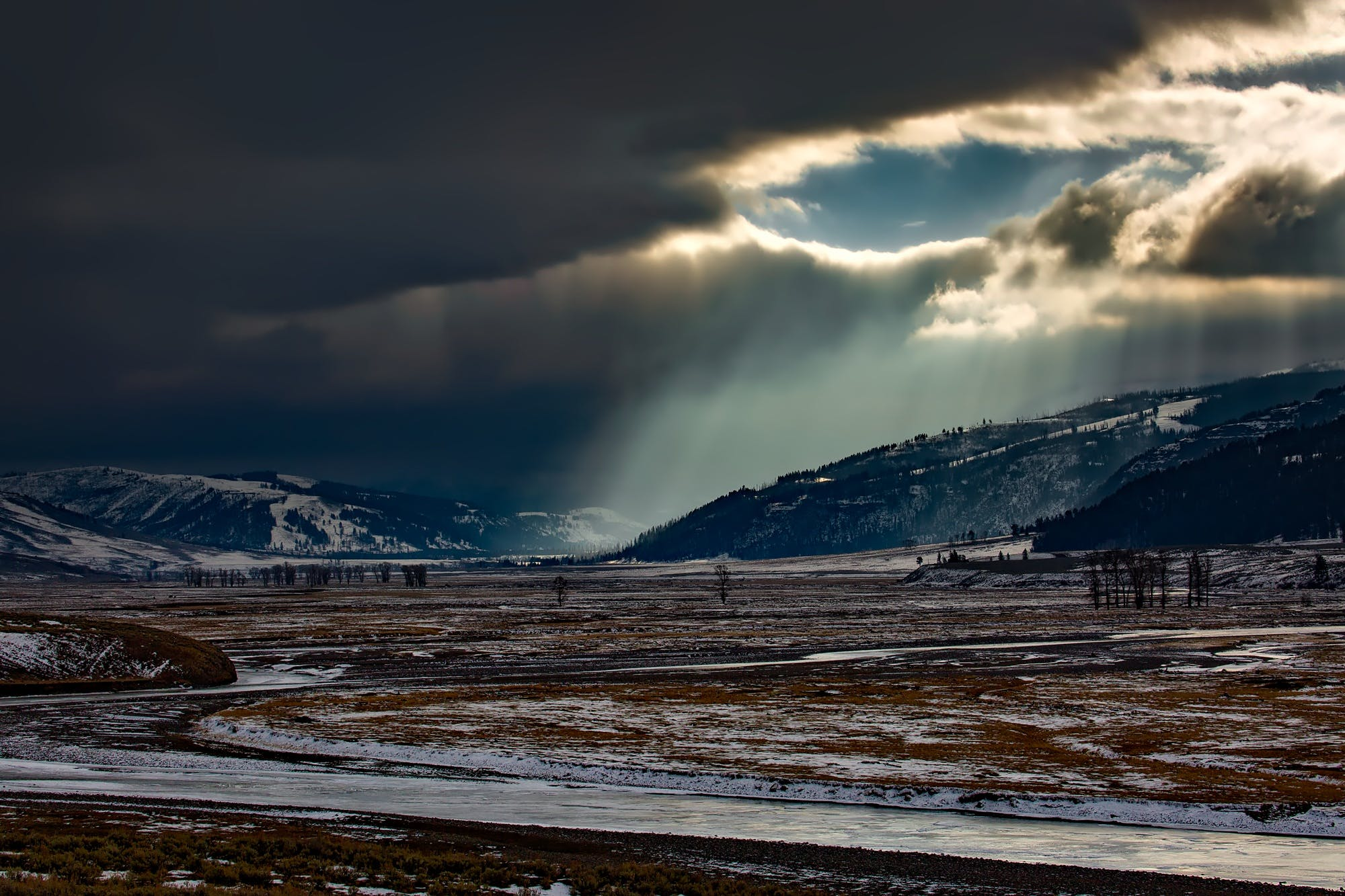 Бесплатное стоковое фото с вода, гора, зима, пейзаж