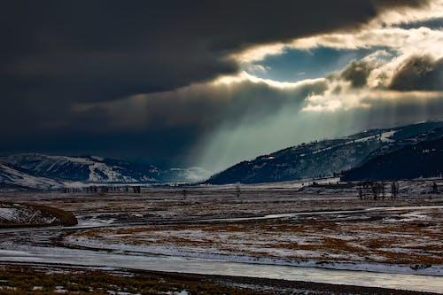 Kostenloses Stock Foto zu berg, dunkle wolken, landschaft, natur