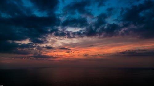 คลังภาพถ่ายฟรี ของ skyscape, ตะวันลับฟ้า, ท้องฟ้า, ทะเล