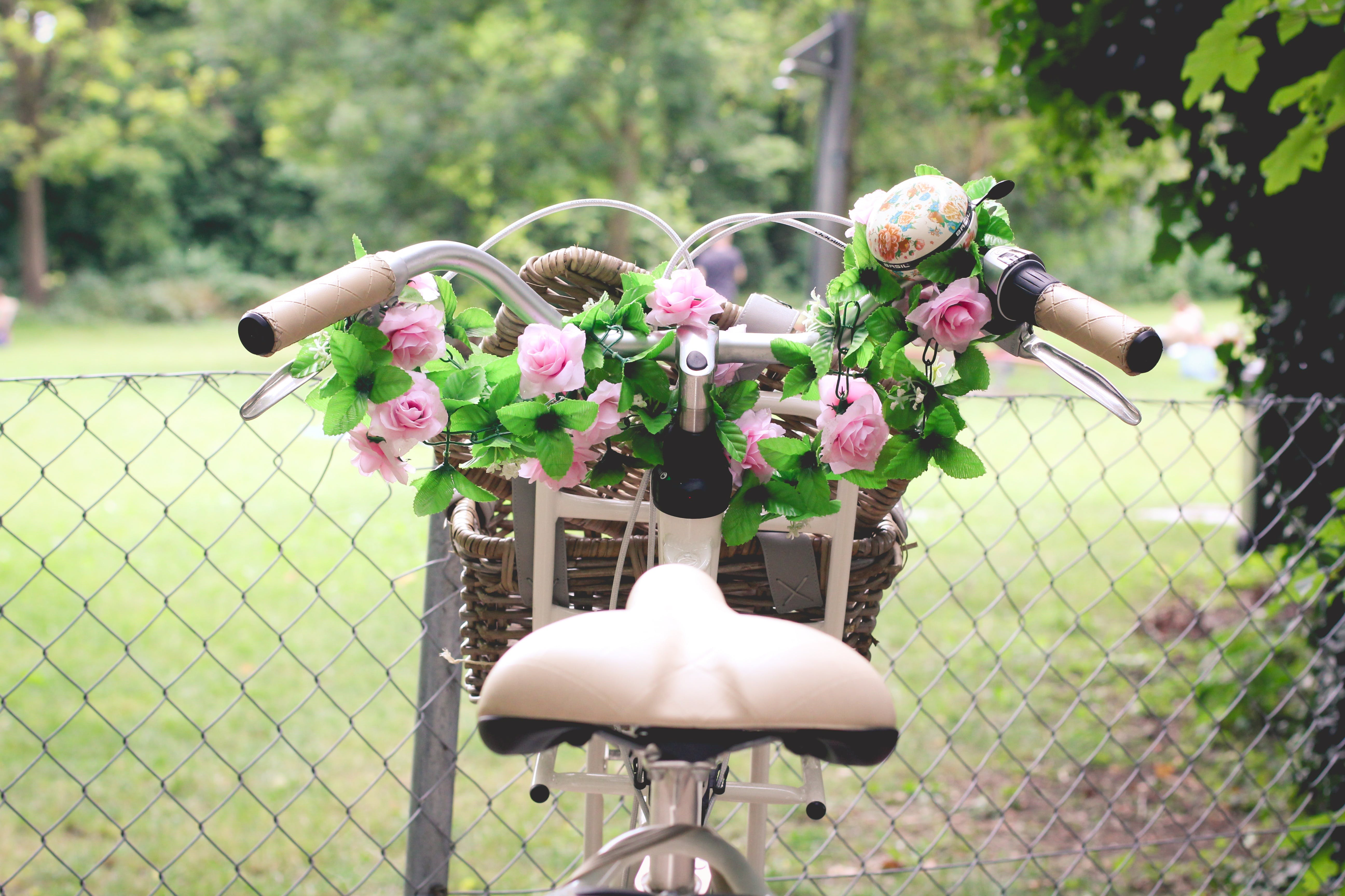 Pink Rose Bouquet in Brown Bicycle Basket