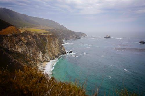 Fotos de stock gratuitas de acantilado, california del norte, con niebla, costa