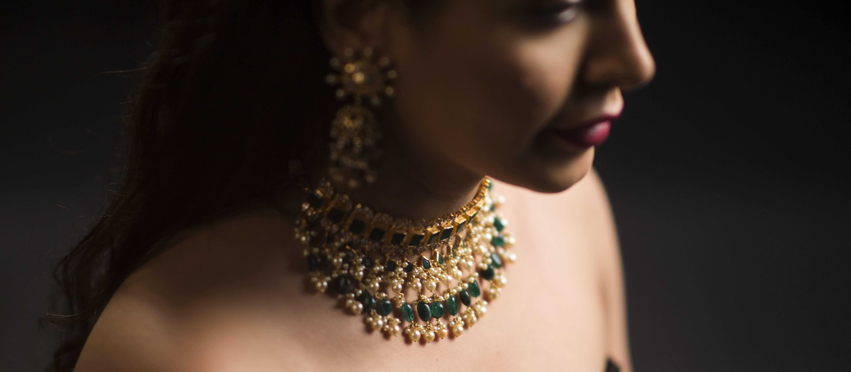 Free stock photo of beautiful girl, diamond necklace, gold, green