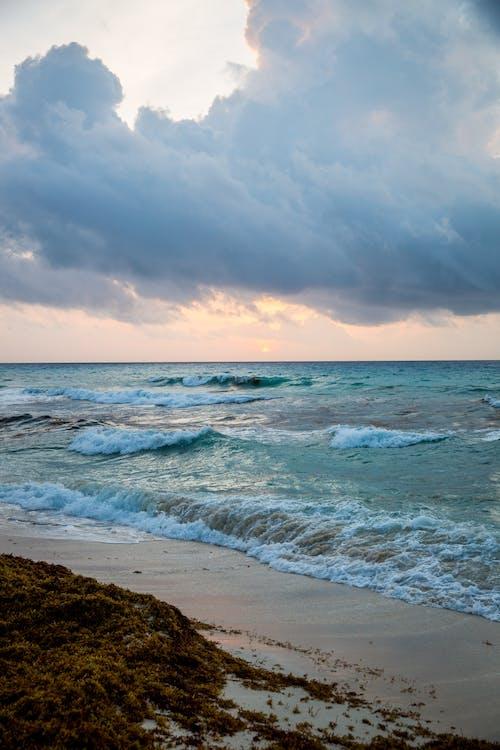 Kostenloses Stock Foto zu himmel, sand, sonnenaufgang, strand