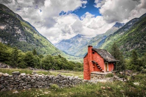 Imagine de stoc gratuită din iarbă, munți, nori, peisaj