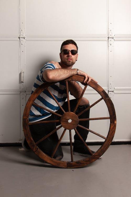 Ảnh lưu trữ miễn phí về bánh xe, Đàn ông, gỗ, mặc