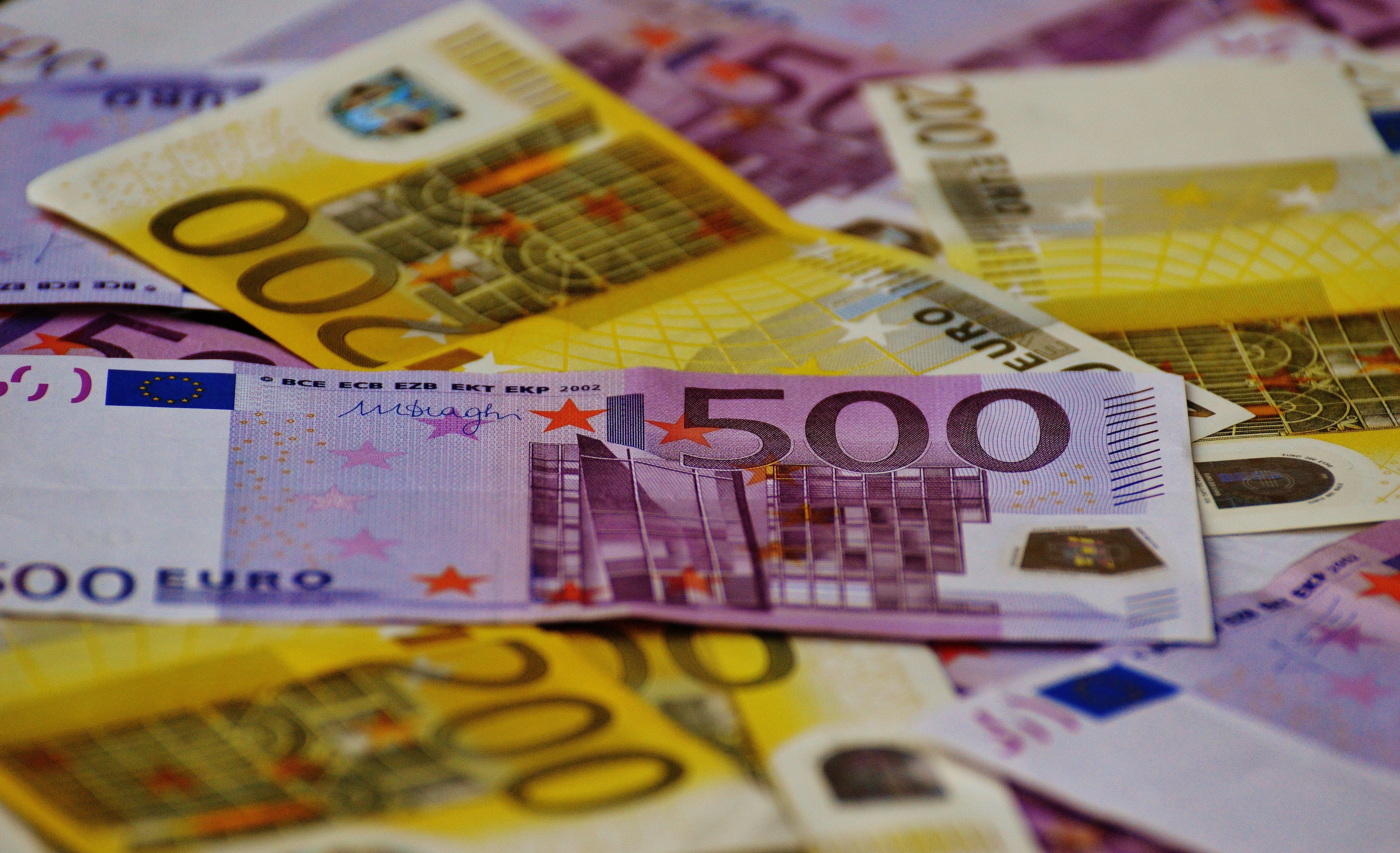 Gratis lagerfoto af close-up, euro, kontant, luftslør