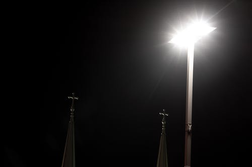 Immagine gratuita di chiesa, cielo notturno, croce, gesù