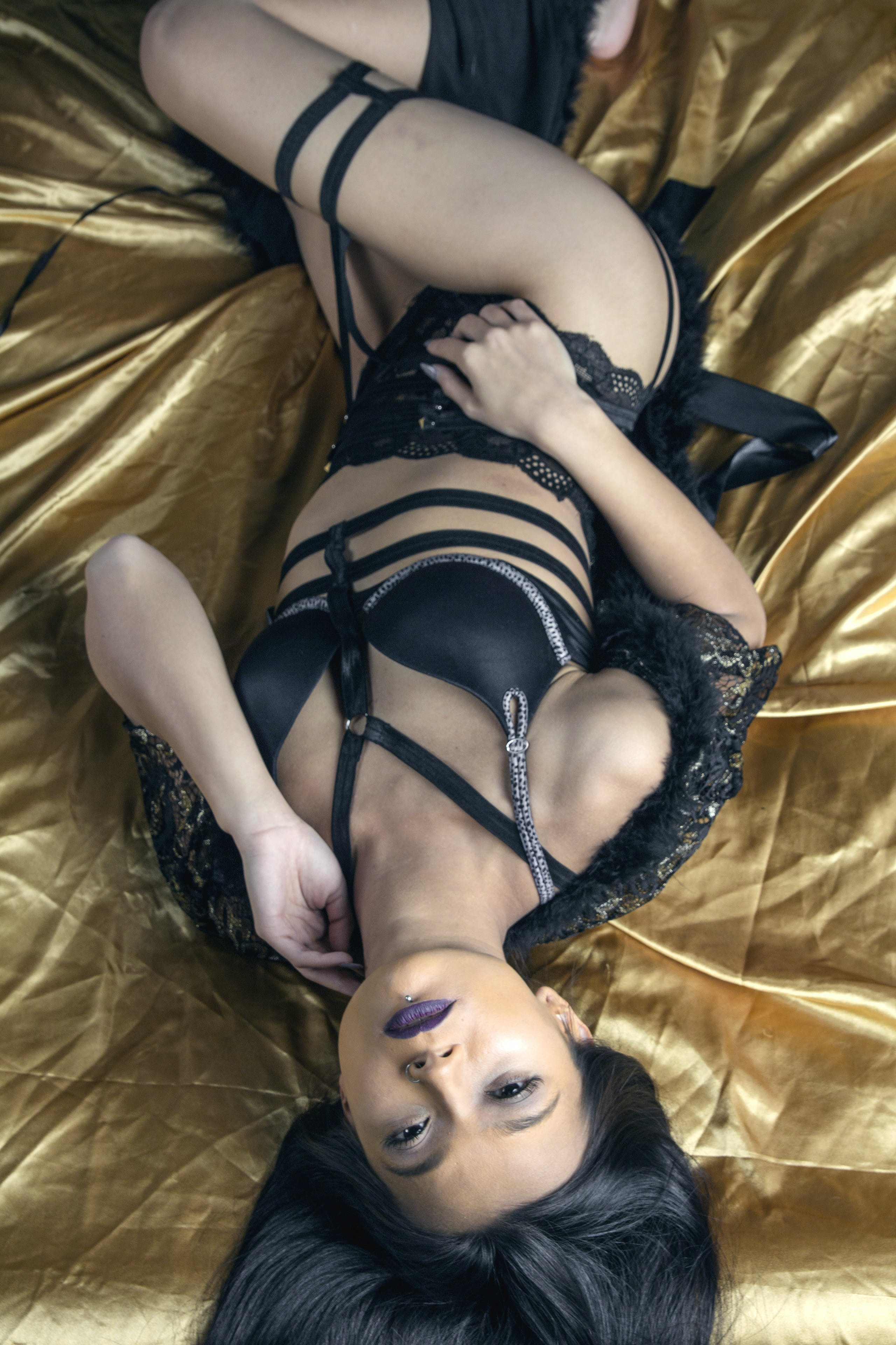 Kostenloses Stock Foto zu boudoir, model, studio, unterwäsche