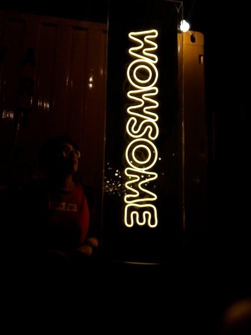 Základová fotografie zdarma na téma neonové světlo