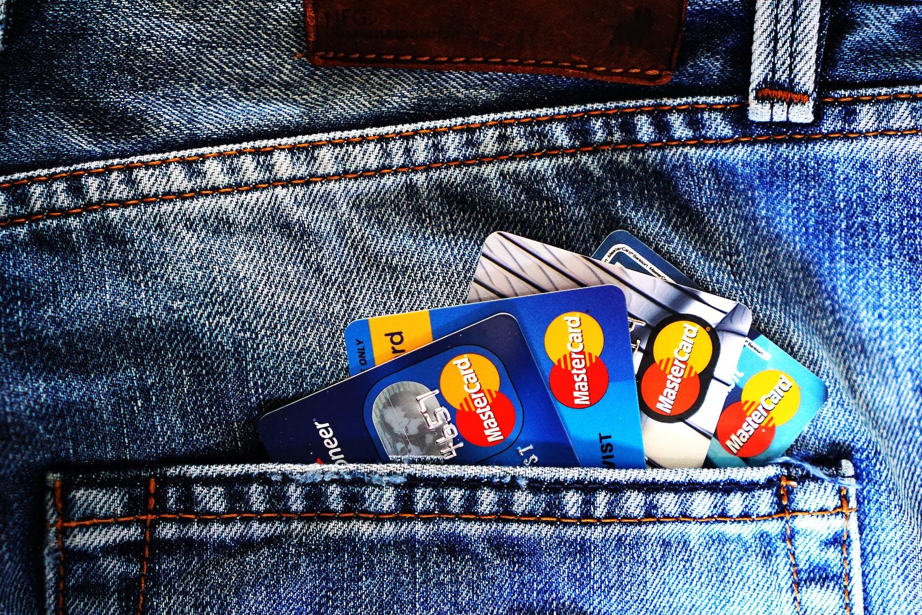Kartu Kredit BRI dan Kartu Kredit BNI