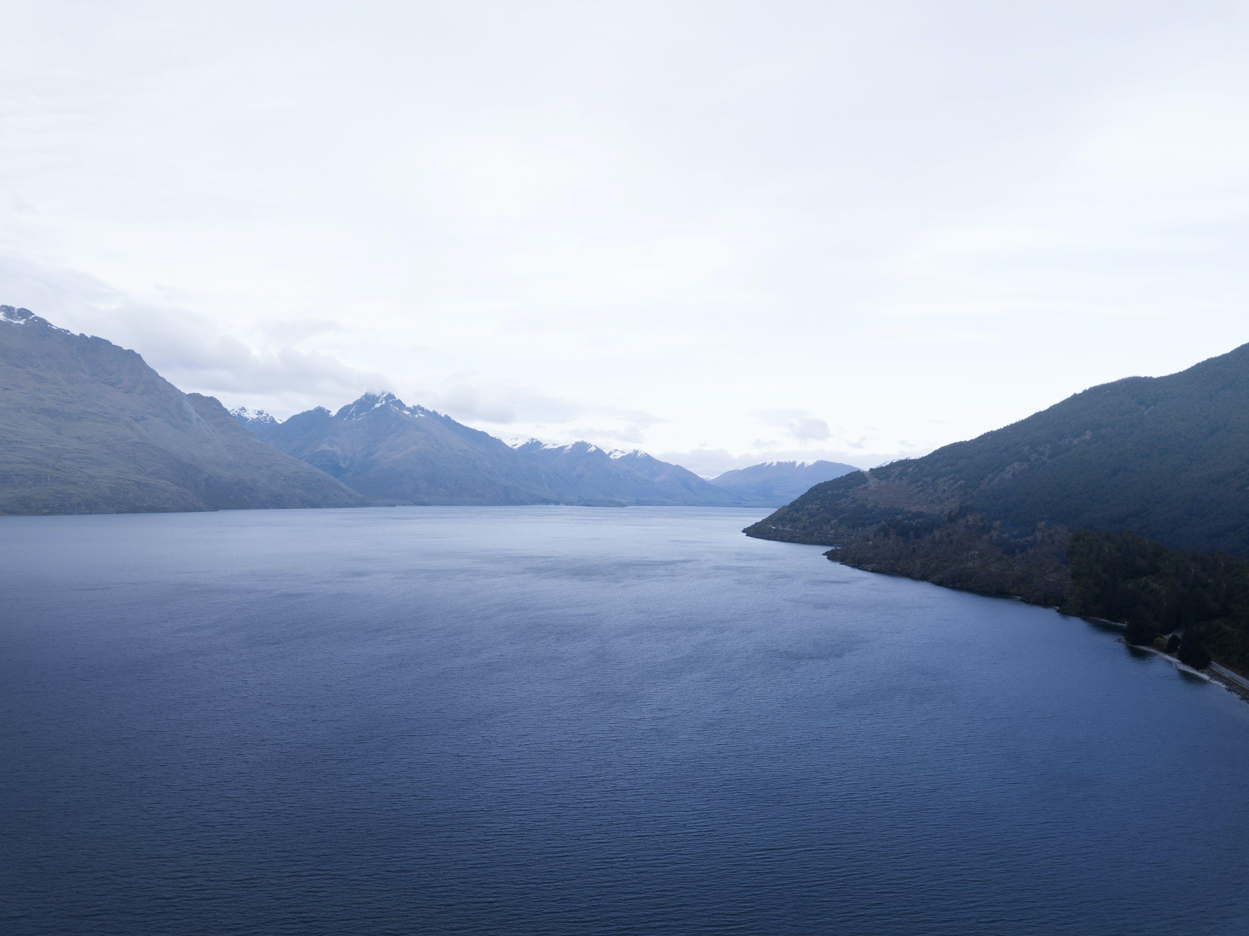 Gratis lagerfoto af bjerg, dagslys, dronefotografering, droneoptagelse
