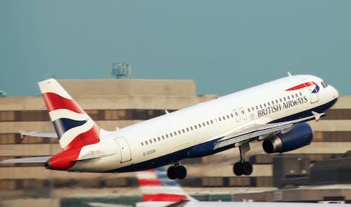Foto d'estoc gratuïta de aeroport, aviació, avió, enlairar