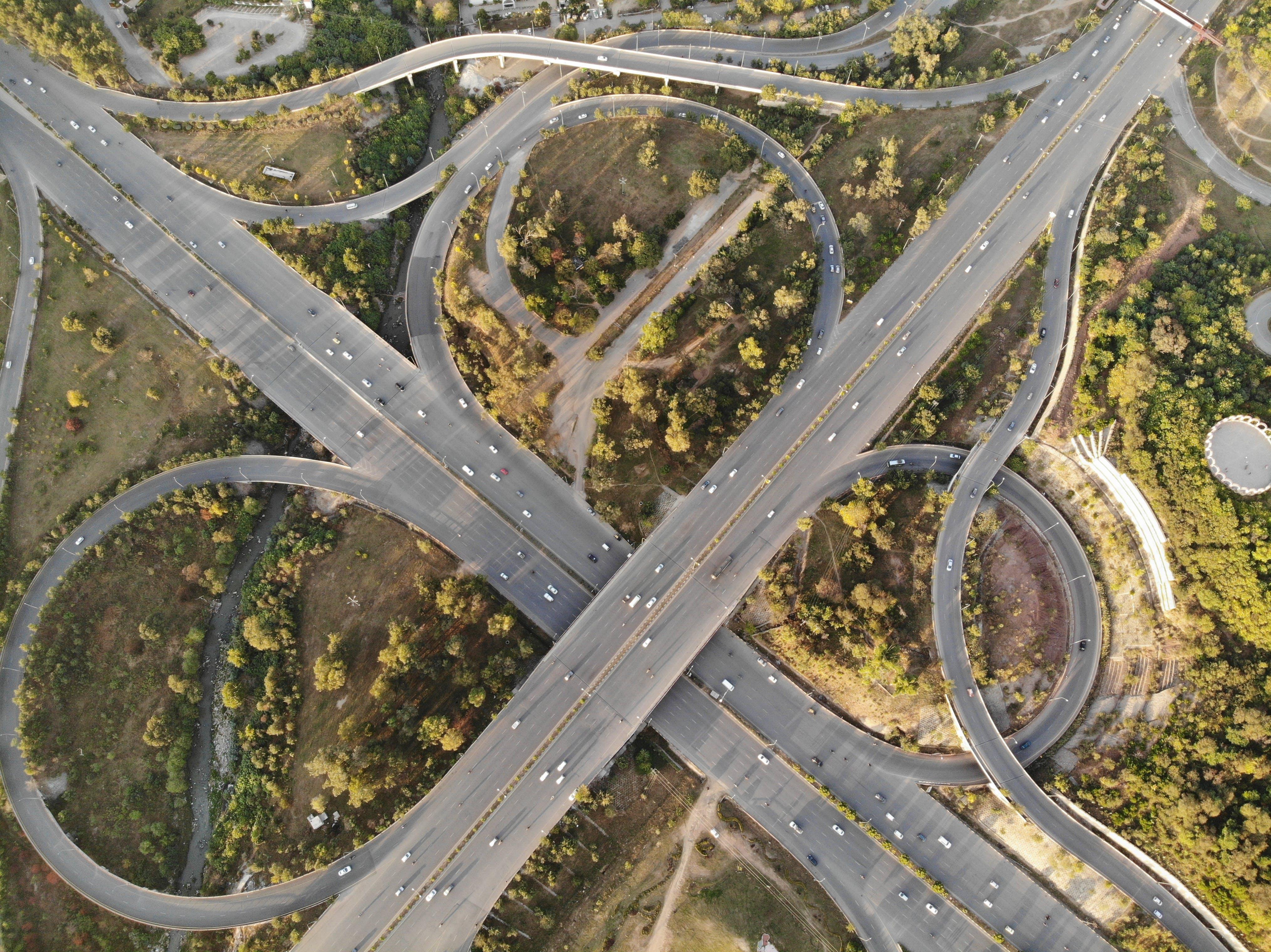 Kostenloses Stock Foto zu architektonisch, austausch, autobahn, beratung