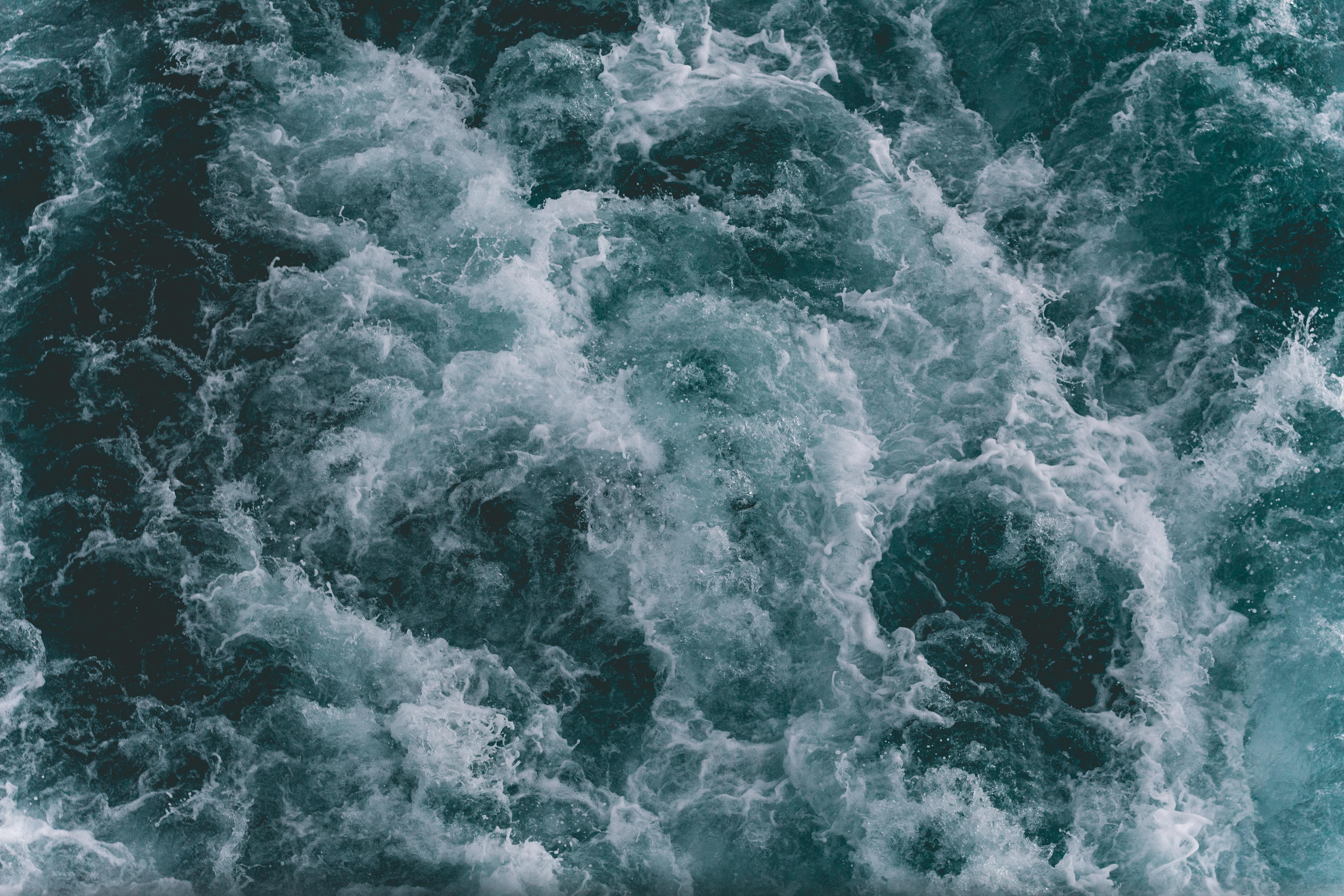 Ocean Waves Free Stock Photo