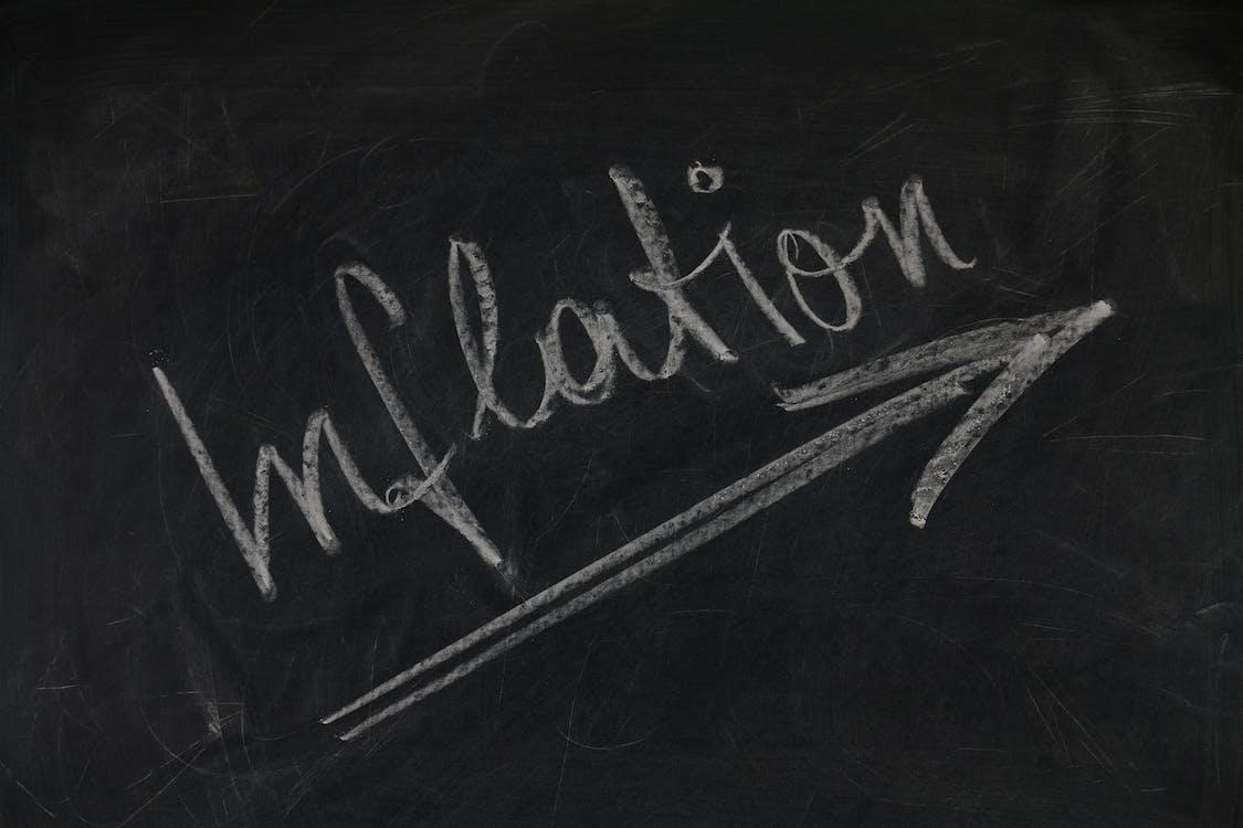 eteenpäin, hyökkääjä, inflaatio