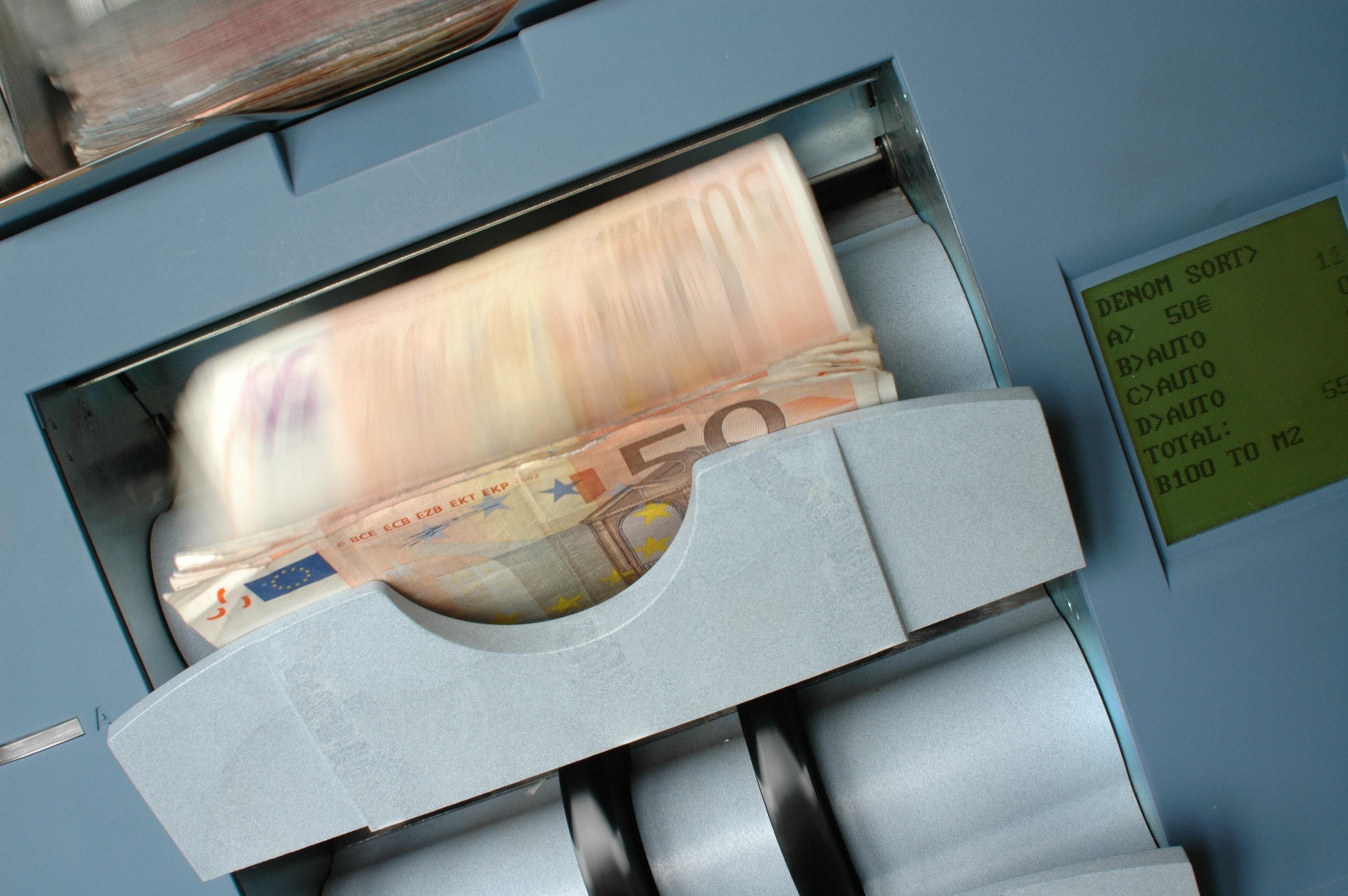 100 Euro · Free Stock Photo