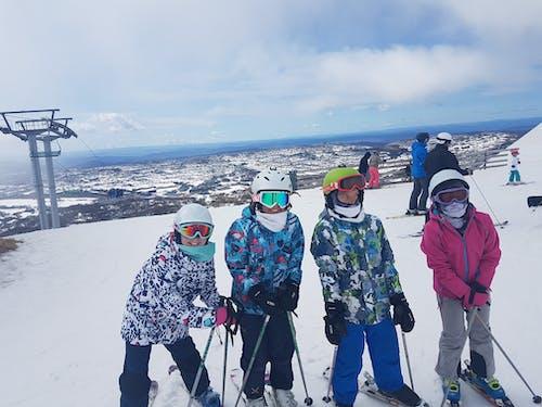 Foto stok gratis #snow #ski #winter #fun #people #friends