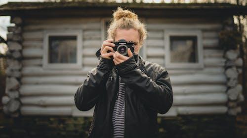 Gratis arkivbilde med kamera, mann, person, ta bilde