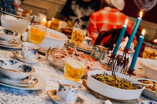 Foto profissional grátis de ajuste da porcelana, janta, jantar a luz de velas, luz de velas