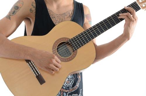 Darmowe zdjęcie z galerii z gitara, instrument muzyczny, instrument strunowy, muzyk