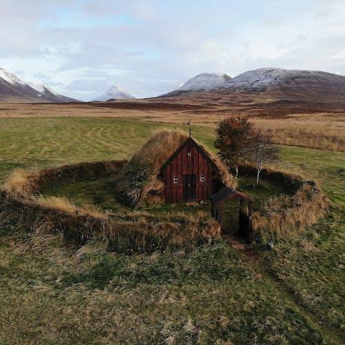 Gratis lagerfoto af agerjord, bane, bungalow, dyrket jord