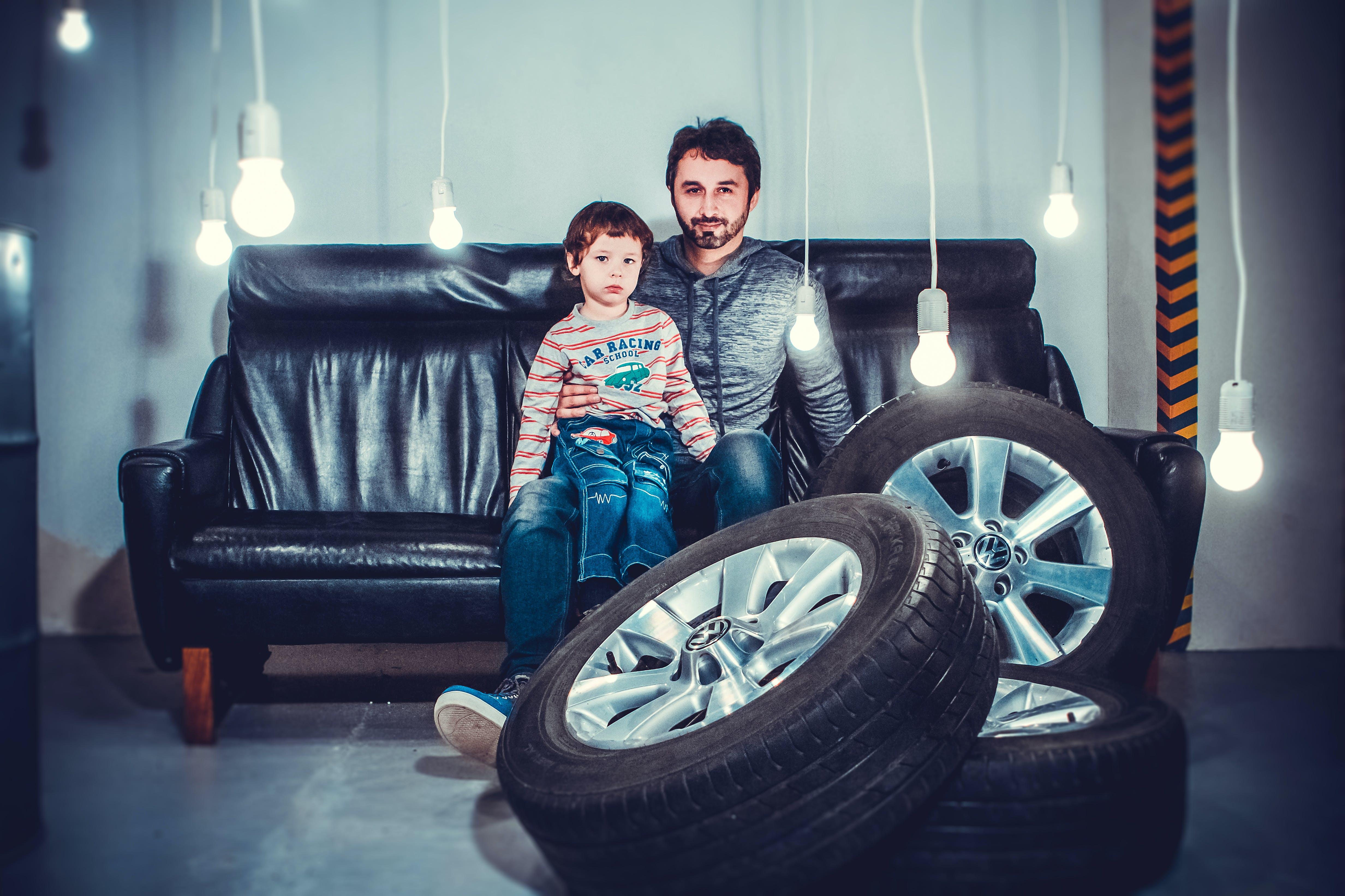 Kostnadsfri bild av ansiktsuttryck, barn, däck, familj
