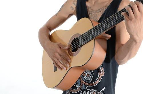 人, 儀器, 刺青, 吉他 的 免费素材照片