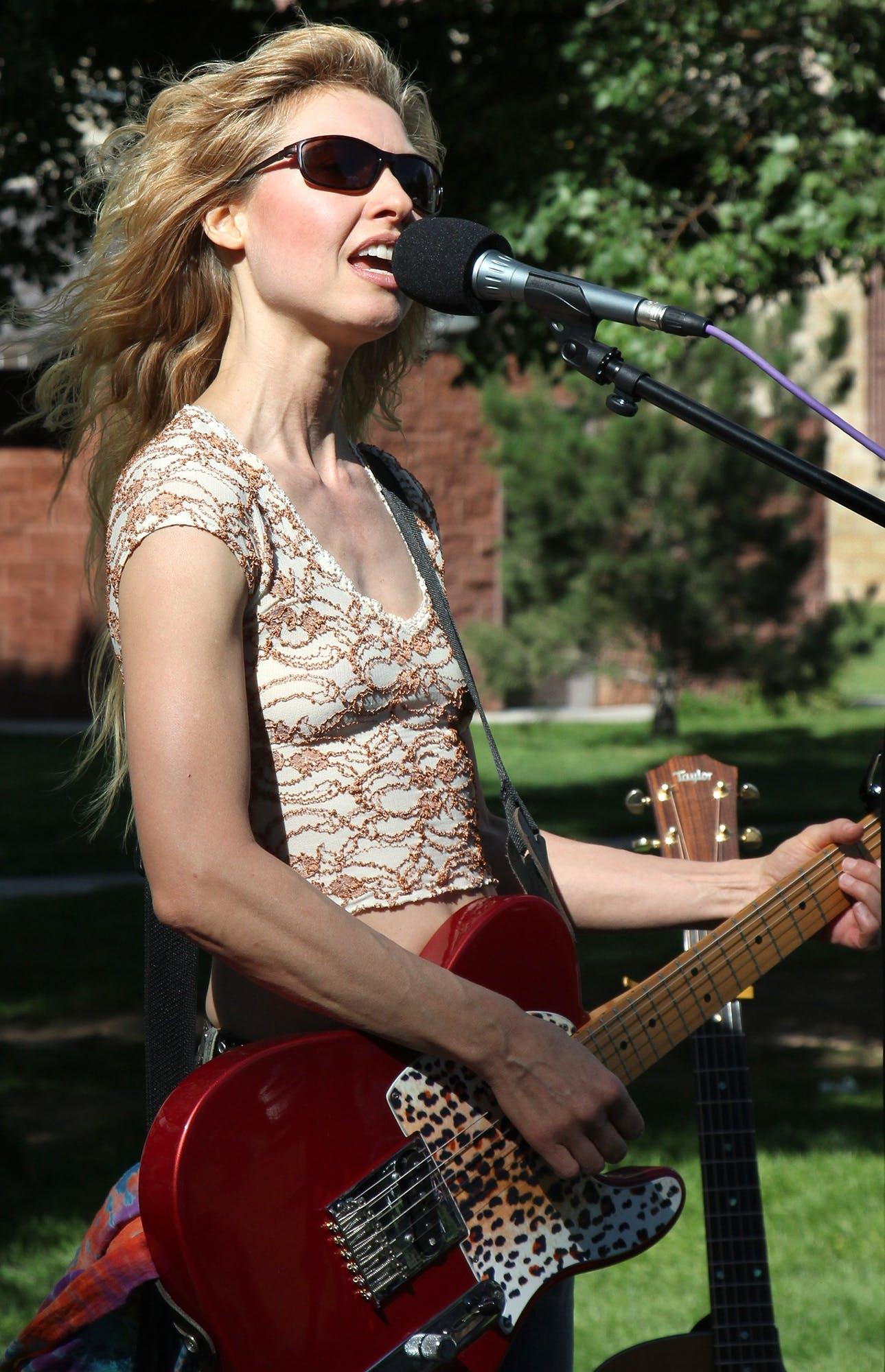 Free stock photo of woman, playing, musician, rock