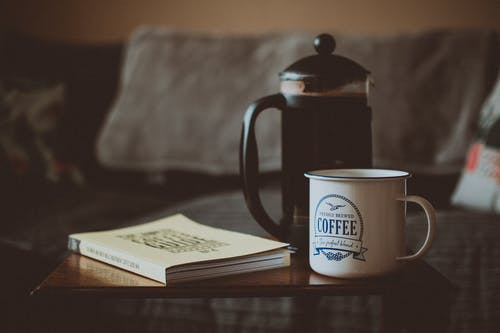 Gratis arkivbilde med kaffe, kaffekopp, kaffepresse, koffein