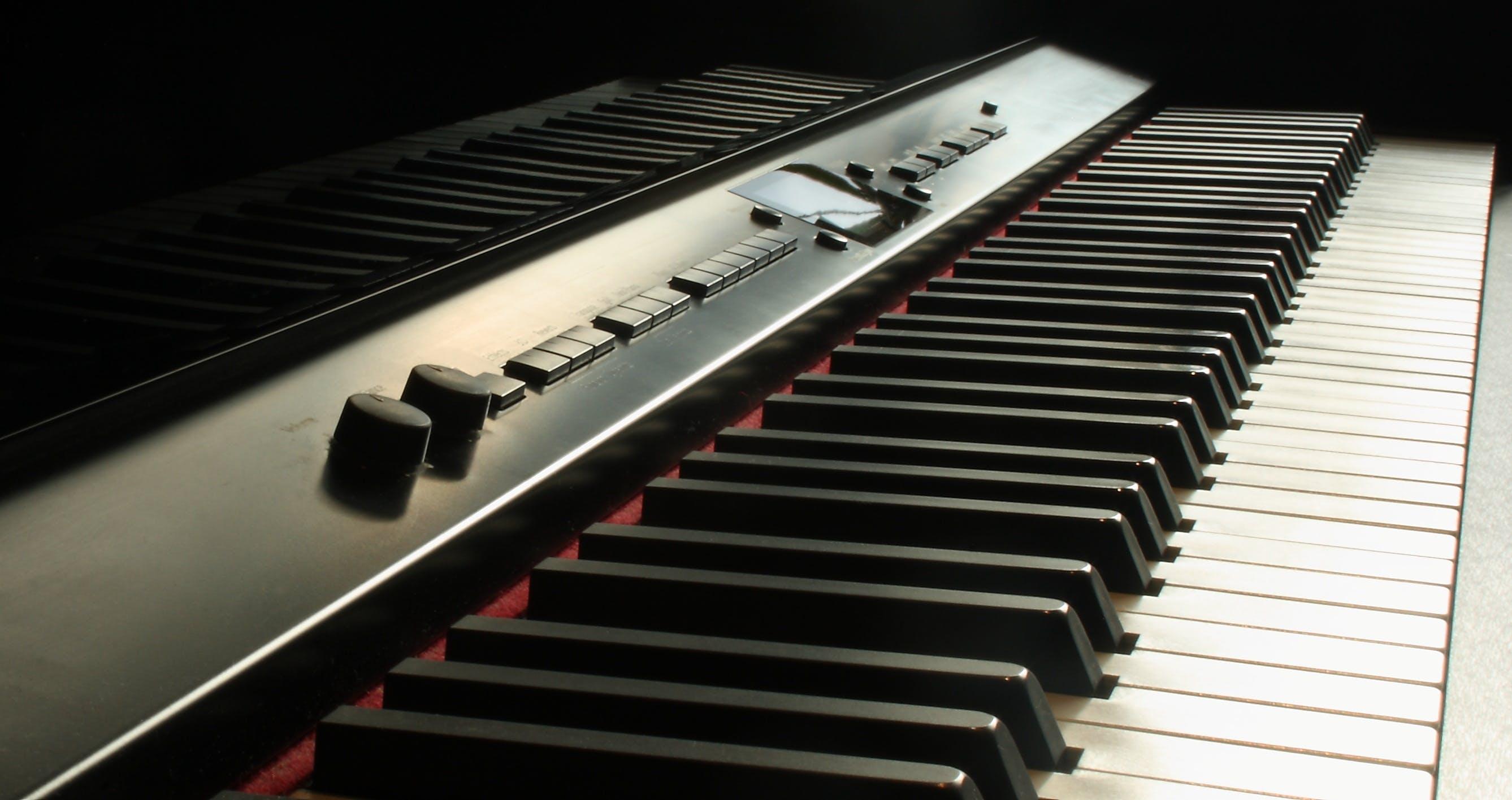 Black Electronic Keyboard