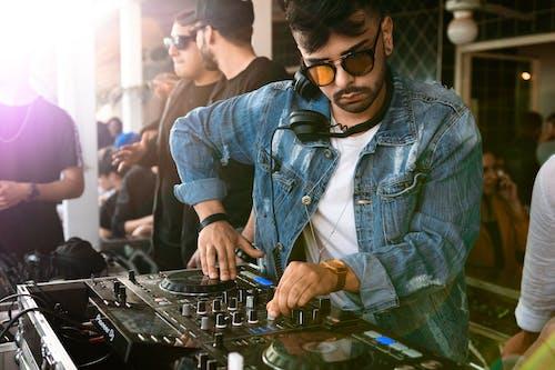 DJ, 人, 派對, 音樂 的 免費圖庫相片