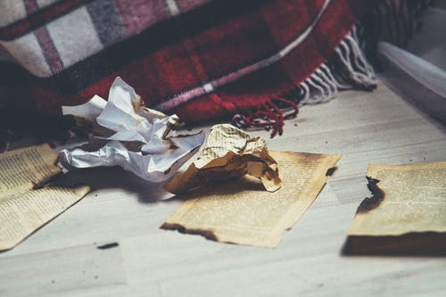 Kostenloses Stock Foto zu papier, seiten, verbrannt