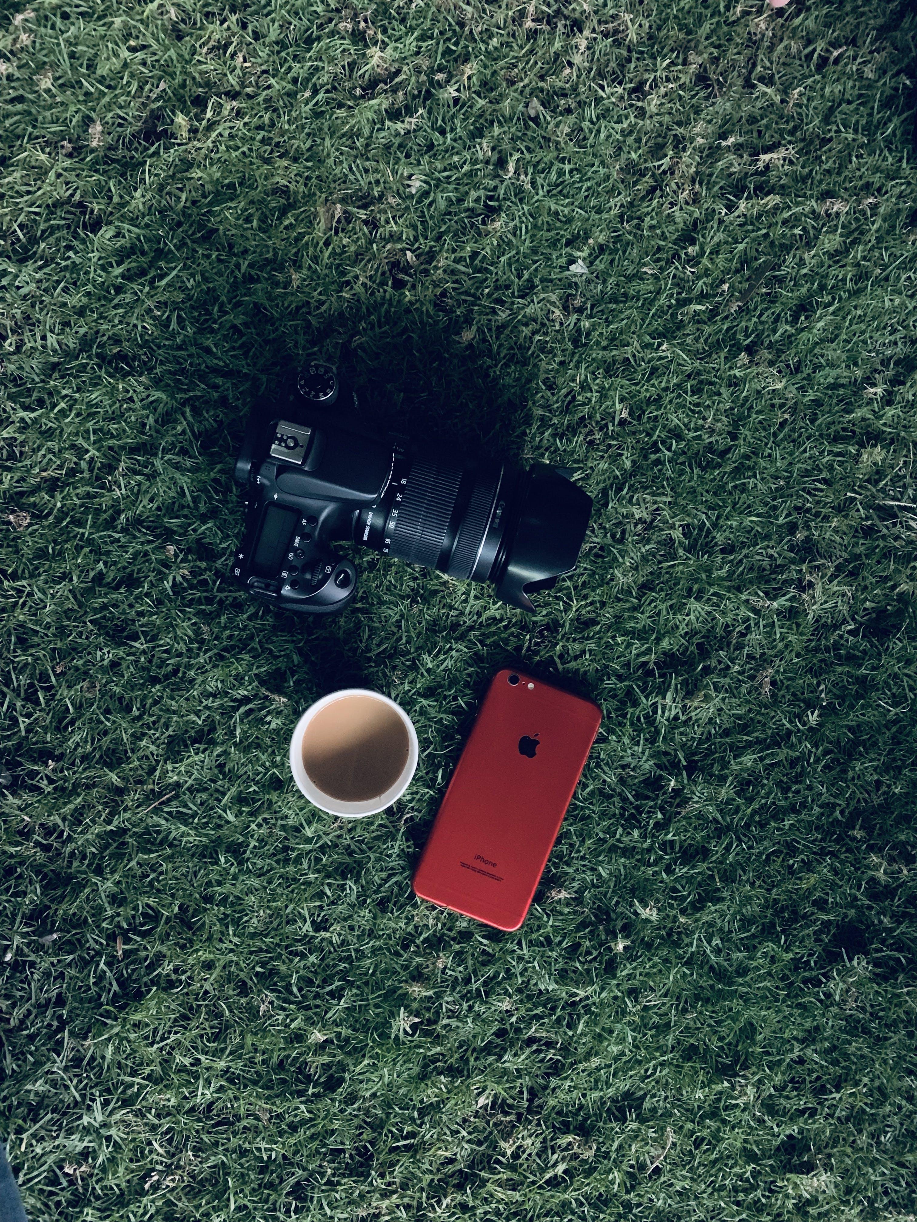 Základová fotografie zdarma na téma chytrý telefon, fotoaparát, iphone, káva