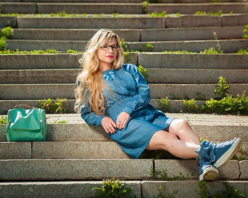 Безкоштовне стокове фото на тему «блондинка, дозвілля, жінка, красива жінка»