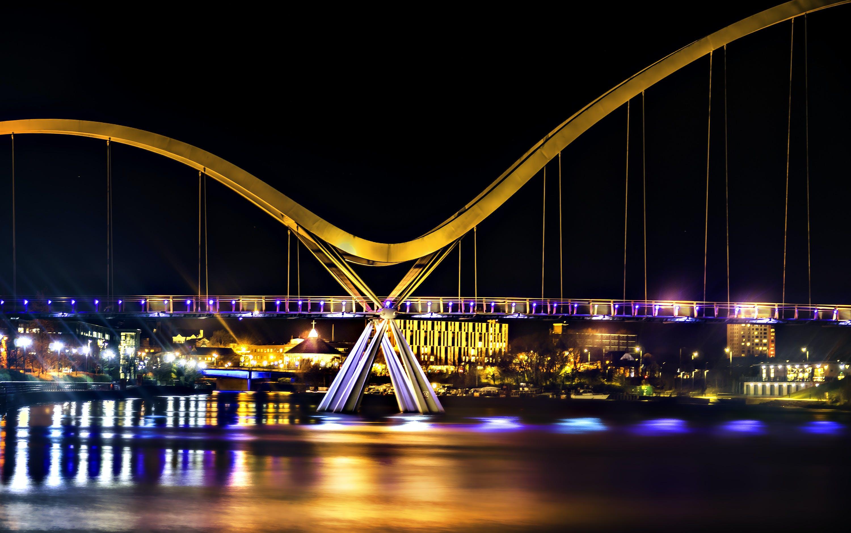 Beige Bridge