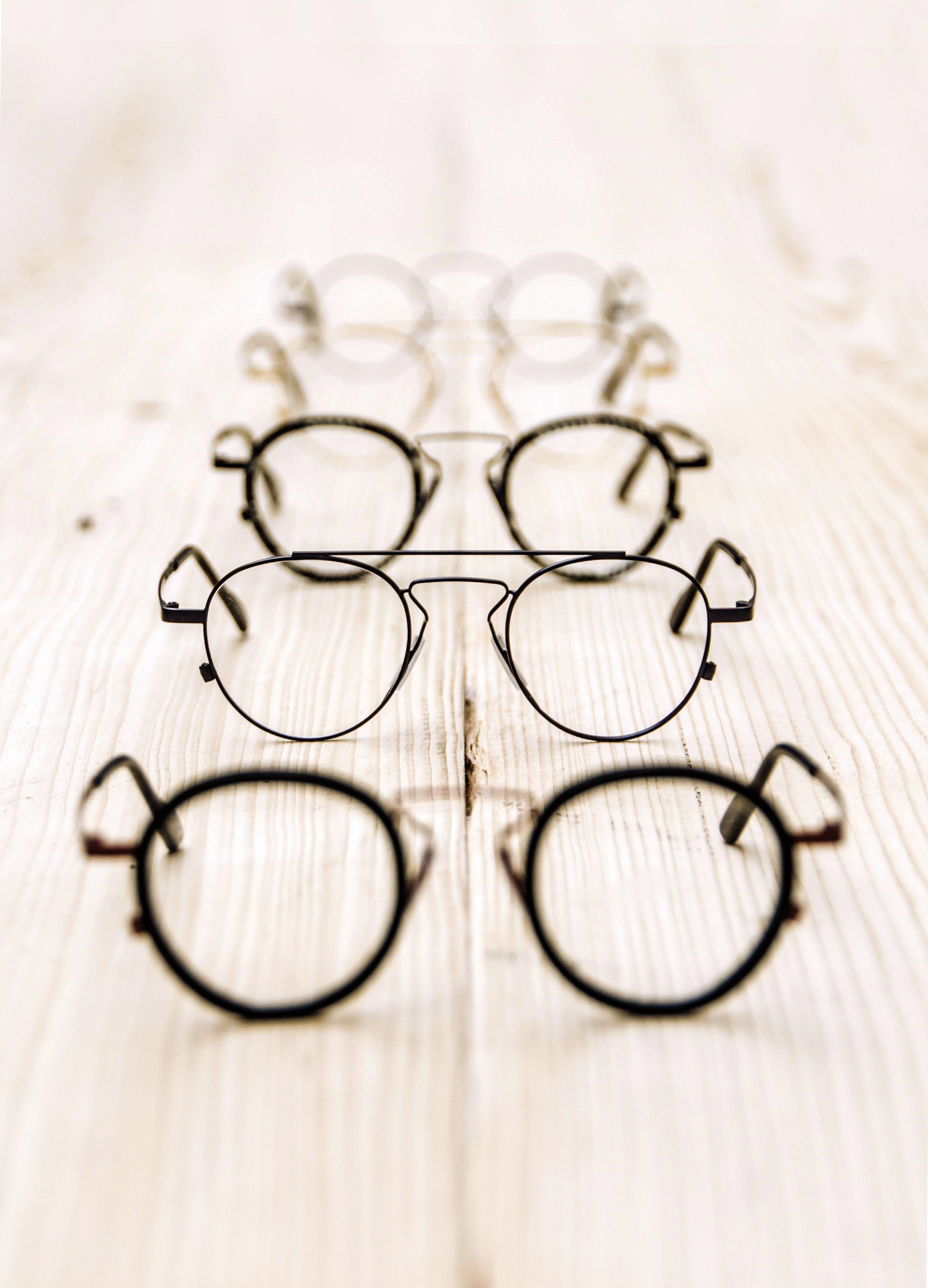 Fotobanka sbezplatnými fotkami na tému dioptrické okuliare, kov, okuliare, okuliare akontaktné šošovky