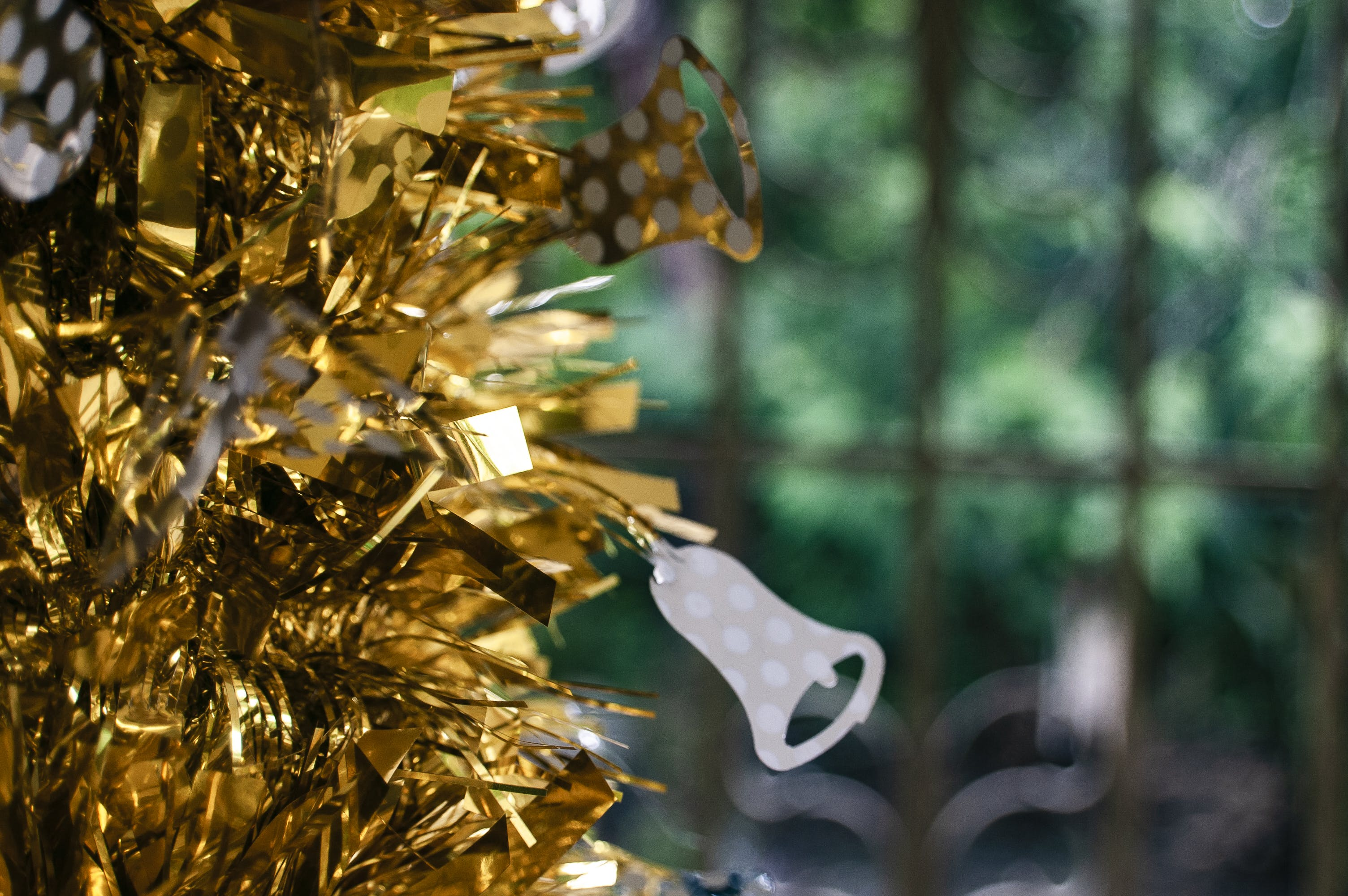 Gold Tinsel Decor With White Flower Ornament